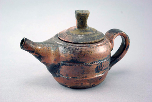 teapots and containers